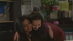 Priya Kapoor, Rani Kapoor in Neighbours Episode 6513