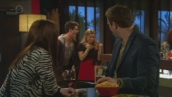 Summer Hoyland, Chris Pappas, Natasha Williams, Bradley Fox in Neighbours Episode 6514