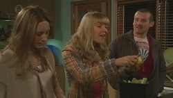 Sonya Mitchell, Georgia Brooks, Toadie Rebecchi in Neighbours Episode 6514