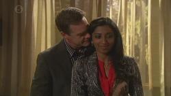 Paul Robinson, Priya Kapoor in Neighbours Episode 6516