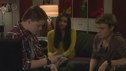Callum Rebecchi, Rani Kapoor, Harley Canning in Neighbours Episode 6517