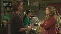 Lucas Fitzgerald, Margie Chan, Sonya Mitchell in Neighbours Episode 6518