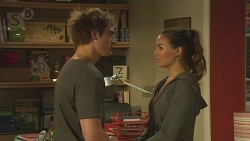 Kyle Canning, Jade Mitchell in Neighbours Episode 6521