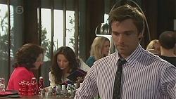 Francesca Villante, Vanessa Villante, Rhys Lawson in Neighbours Episode 6523