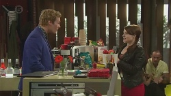 Andrew Robinson, Summer Hoyland in Neighbours Episode 6525