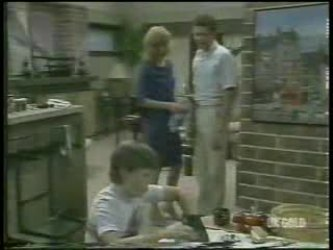Bradley Townsend, Andrea Townsend, Des Clarke in Neighbours Episode 0211