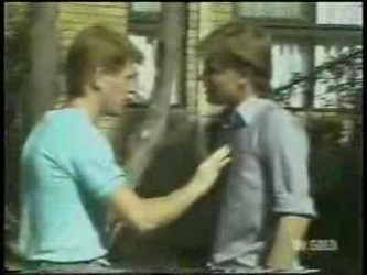 Clive Gibbons, Scott Robinson in Neighbours Episode 0211