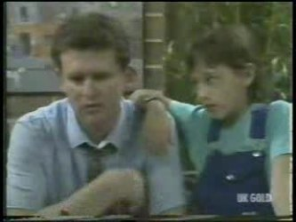 Des Clarke, Lucy Robinson in Neighbours Episode 0212
