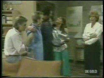 Shane Ramsay, Daphne Clarke, Max Ramsay, Zoe Davis, Madge Bishop in Neighbours Episode 0213