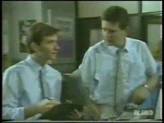 Danny Ramsay, Des Clarke in Neighbours Episode 0213