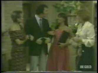 Daphne Clarke, Max Ramsay, Zoe Davis, Madge Bishop in Neighbours Episode 0213