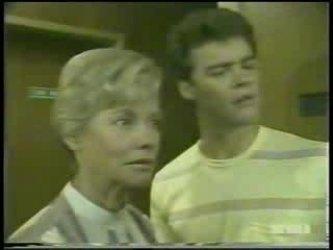 Helen Daniels, Paul Robinson in Neighbours Episode 0213
