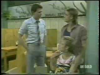 Des Clarke, Daphne Lawrence, Shane Ramsay in Neighbours Episode 0214