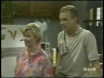 Helen Daniels, Jim Robinson in Neighbours Episode 0216