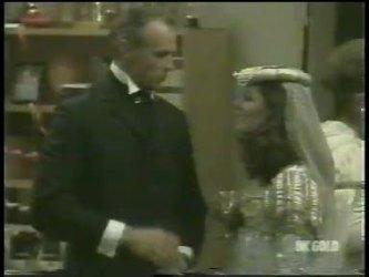 Jim Robinson, Zoe Davis in Neighbours Episode 0218