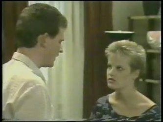 Des Clarke, Daphne Clarke in Neighbours Episode 0220