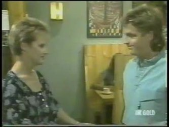 Daphne Clarke, Shane Ramsay in Neighbours Episode 0220