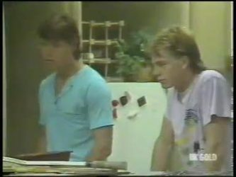 Mike Young, Scott Robinson in Neighbours Episode 0221
