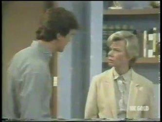 Paul Robinson, Helen Daniels in Neighbours Episode 0222