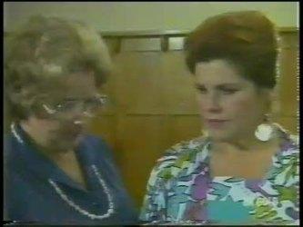 Miss Davidson, Laura Dennison in Neighbours Episode 0224