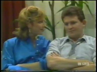 Andrea Townsend, Des Clarke in Neighbours Episode 0225