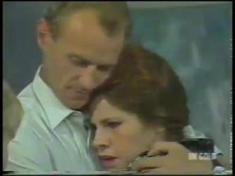 Jim Robinson, Laura Dennison in Neighbours Episode 0225