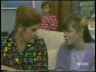 Laura Dennison, Lucy Robinson, Nikki Dennison in Neighbours Episode 0226