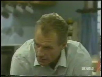 Jim Robinson in Neighbours Episode 0226