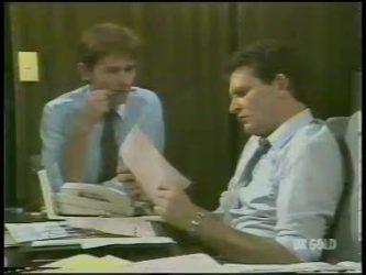 Danny Ramsay, Des Clarke in Neighbours Episode 0226