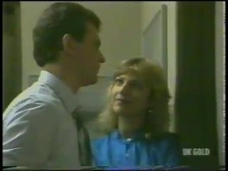 Des Clarke, Andrea Townsend in Neighbours Episode 0226
