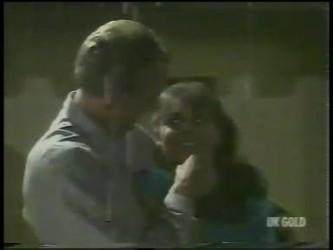Jim Robinson, Zoe Davis in Neighbours Episode 0226