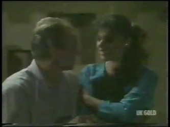 Jim Robinson, Zoe Davis in Neighbours Episode 0227