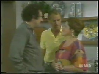 Max Ramsay, Jim Robinson, Laura Dennison in Neighbours Episode 0227