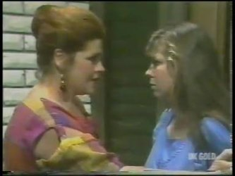 Laura Dennison, Nikki Dennison in Neighbours Episode 0227