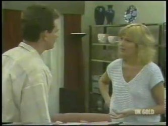 Des Clarke, Andrea Townsend in Neighbours Episode 0230