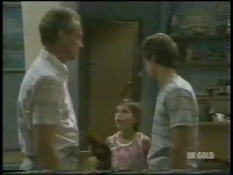 Jim Robinson, Lucy Robinson, Paul Robinson in Neighbours Episode 0231