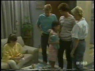 Nikki Dennison, Scott Robinson, Lucy Robinson, Paul Robinson, Helen Daniels in Neighbours Episode 0231