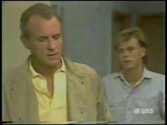 Jim Robinson, Scott Robinson in Neighbours Episode 0231