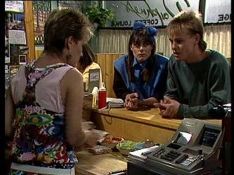 Daphne Clarke, Zoe Davis, Scott Robinson in Neighbours Episode 0237
