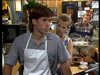 Mike Young, Daphne Lawrence, Clive Gibbons in Neighbours Episode 0237