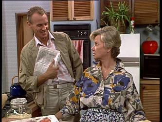 Jim Robinson, Helen Daniels in Neighbours Episode 0245