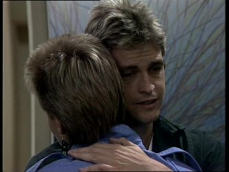 Daphne Lawrence, Shane Ramsay in Neighbours Episode 0248