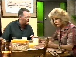 Harold Bishop, Madge Bishop in Neighbours Episode 0936