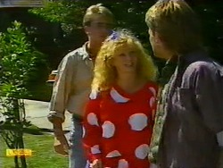 Nick Page, Sharon Davies, Skinner in Neighbours Episode 0937