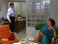 Paul Robinson, Gail Robinson in Neighbours Episode 0937
