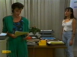 Gail Robinson, Kerry Bishop in Neighbours Episode 0938