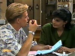 Scott Robinson, Poppy Skouros in Neighbours Episode 0939