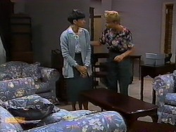 Hilary Robinson, Bronwyn Davies in Neighbours Episode 0940