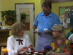 Madge Bishop, Harold Bishop, Helen Daniels in Neighbours Episode 0940