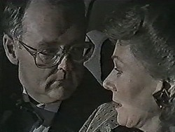 Harold Bishop, Robyn Taylor in Neighbours Episode 1022
